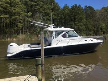 2016 Pursuit 3500 Offshore