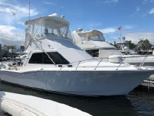 2002 Cabo 35 Flybridge w 1080 HRS