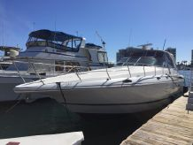 1997 Cruisers Yachts Express Diesel