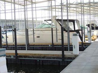 2004 Rinker 410 Express Cruiser
