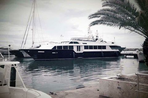 2001 Broward Raised Pilothouse MY