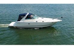2001 Cruisers Yachts 3870