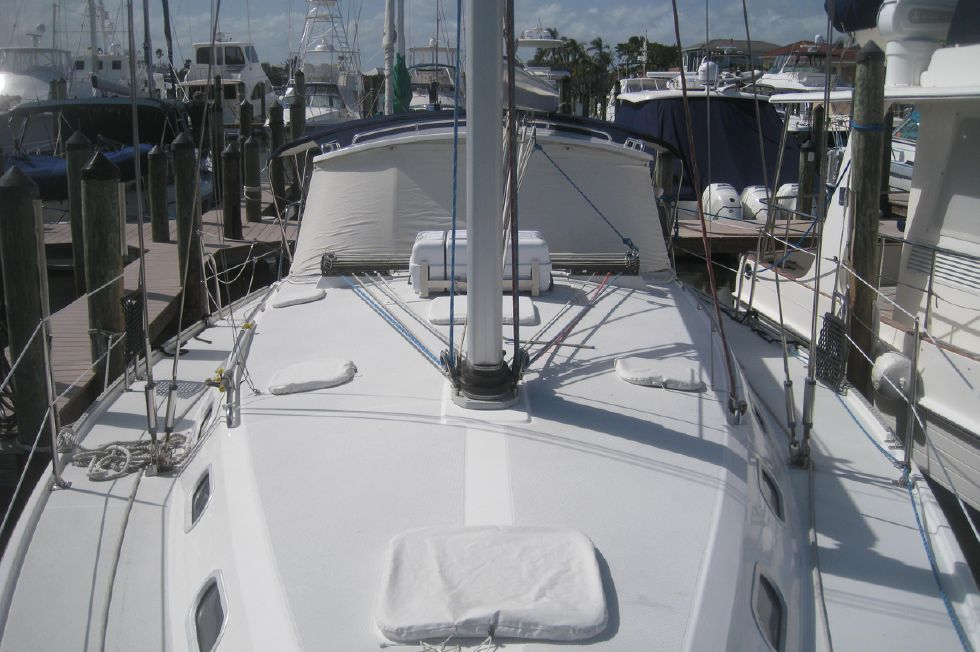 Catalina 42 Deck