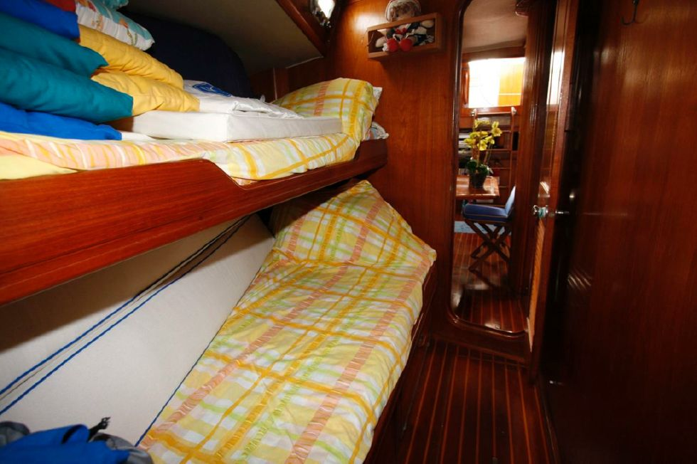Forward Starboard Berth looking aft