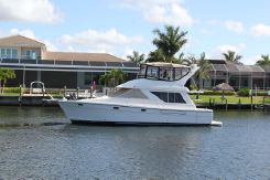 1996 Bayliner 3988 Motor Yacht