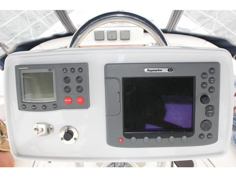Hunter 420 Electronics in Pod
