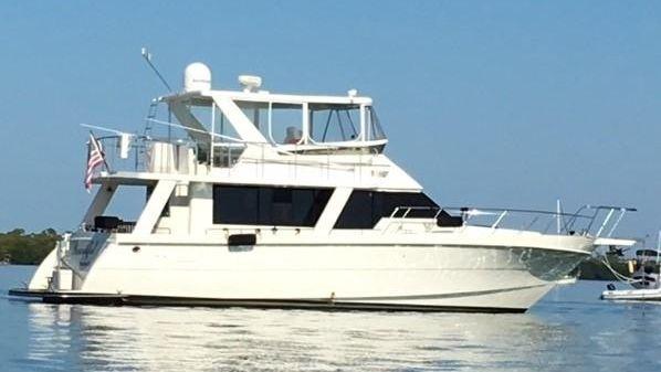 Hi-Star Seahorse Motor Yacht/Trawler On the hook...