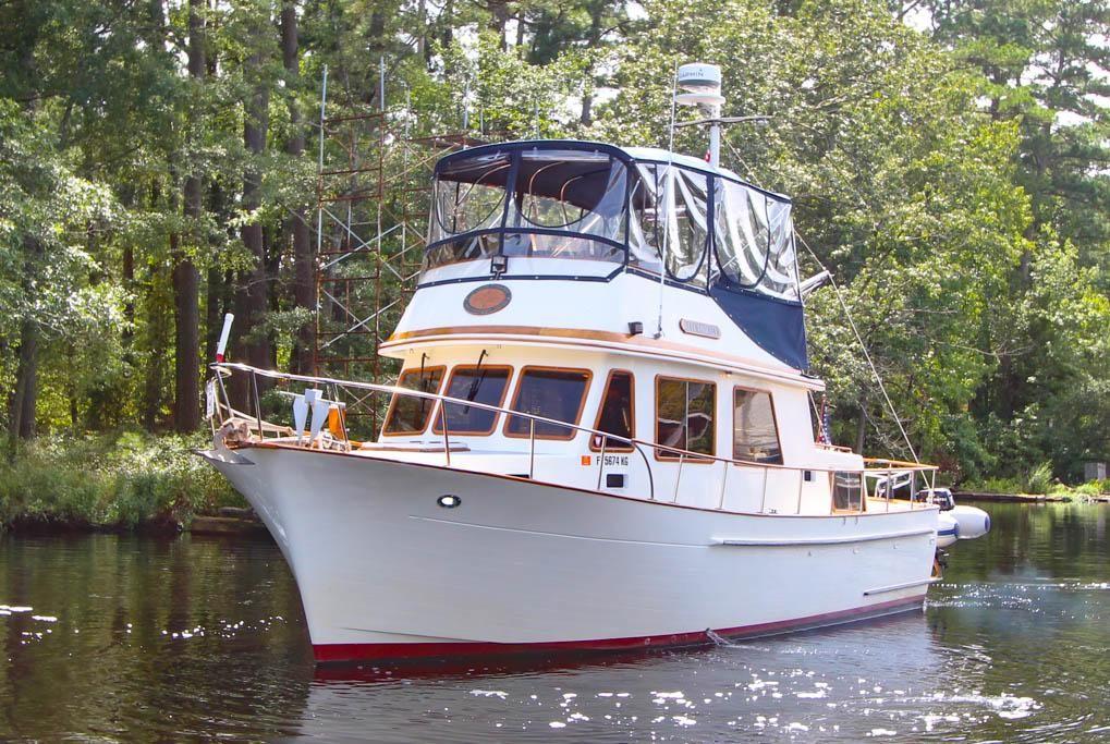 trawler 34 marine trader