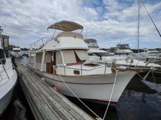 1976 Marine Trader 34