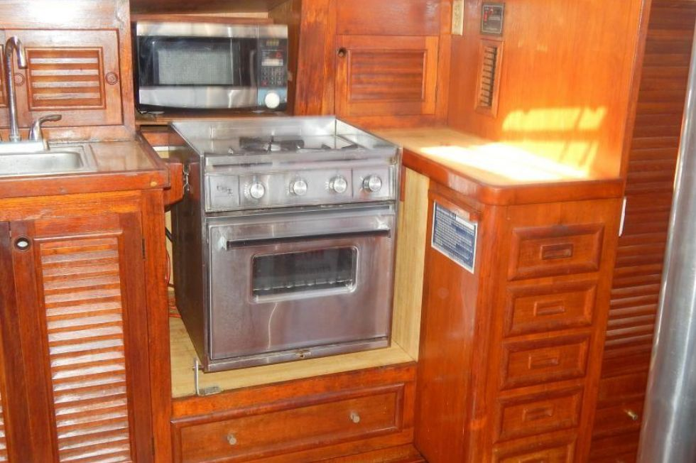 Gimbaled Stove and Storage