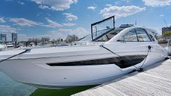 2021 Cruisers Yachts 42 GLS Outboard
