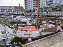 1983 Dutch Schokker Barge 17m with London mooring