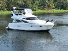 2010 Silverton 38 Sport Bridge