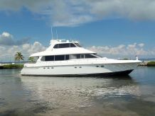 1997 Lazzara Yachts Grand Salon Skylounge