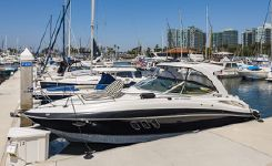 2014 Cruisers Yachts 350 Express