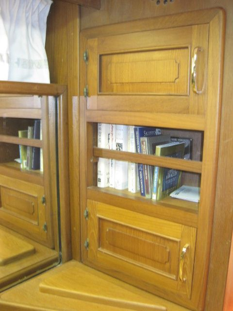 1988 Vista 49 Motor Yacht - Master stateroom cabinetry