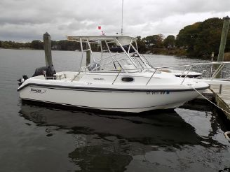 1999 Boston Whaler Conquest