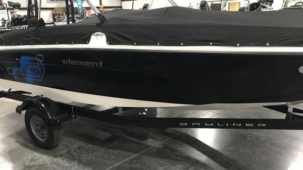 Bayliner Element E18