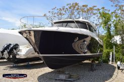 2018 Tiara Yachts 44 Coupe