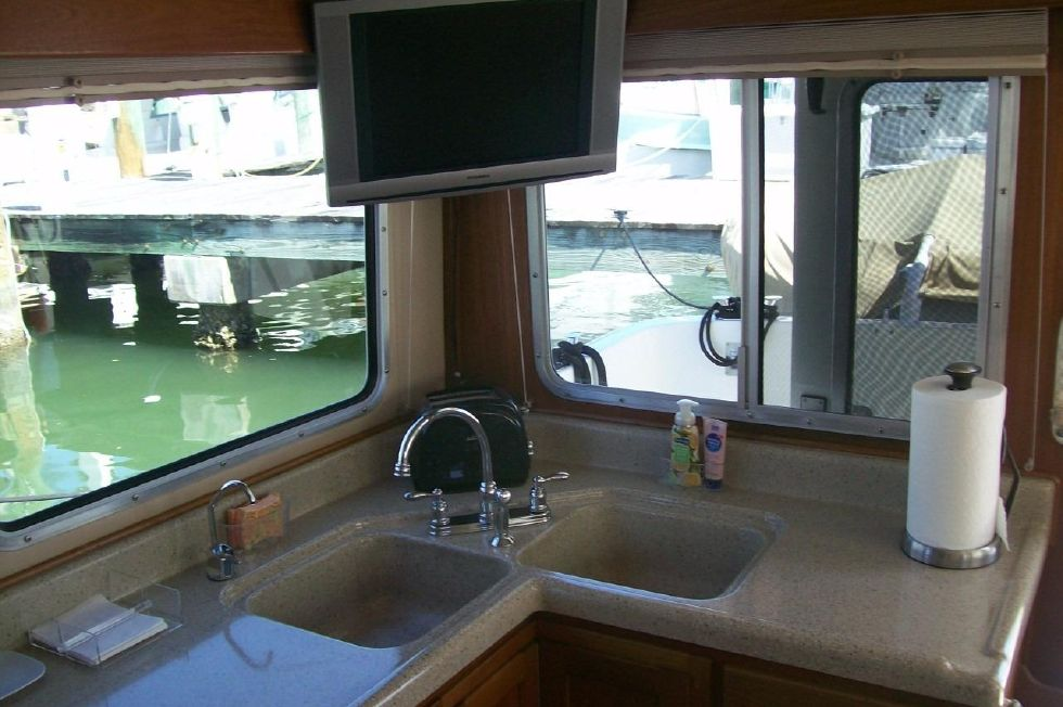 34 American Tug, TV Over Galley