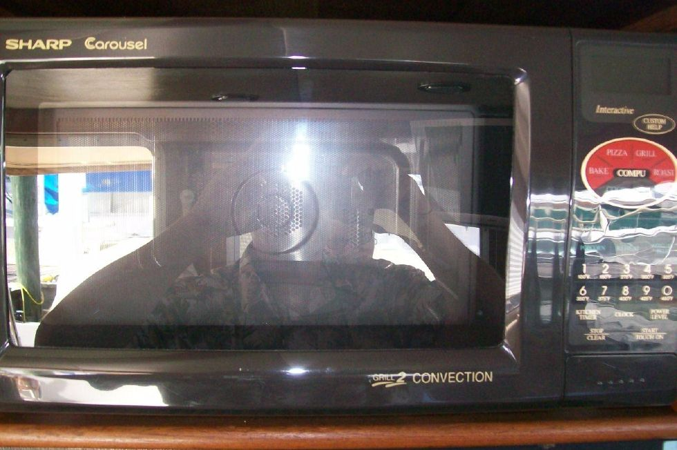 34 American Tug, Microwave/Convection Oven