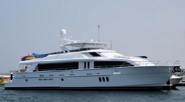 2011 Hatteras 105 Motor Yacht