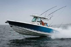 2021 Boston Whaler 330 Outrage