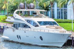 2015 Aicon Yachts 85 Fly