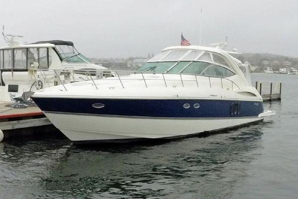 Cruisers Yachts 520 Express - main image