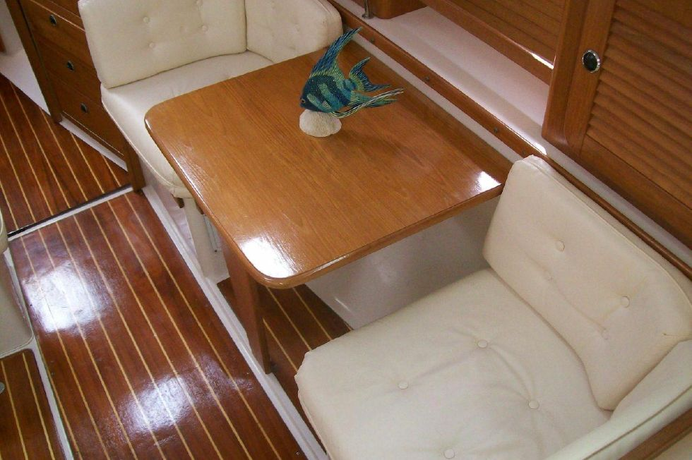 36 Catalina Starboard Side and Beautiful Cabin Sole