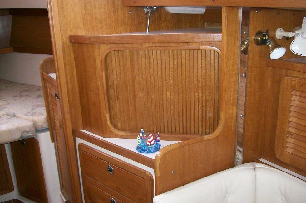 36 Catalina Starboard Side