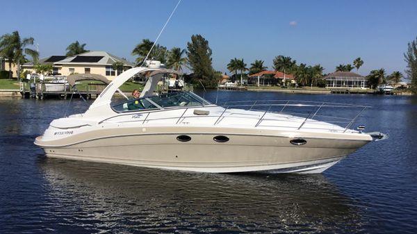 Four Winns 348 Vista Starboard Profile