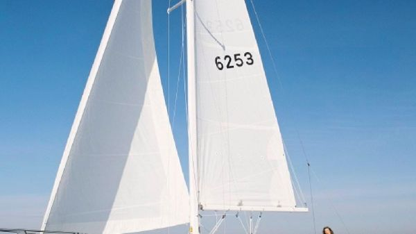 Catalina 30 Manufacturer supplied image.