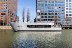 2019 Motor Yacht Qrooz Marine Cabin