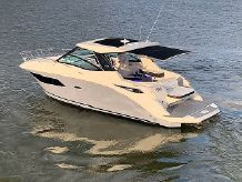 2020 Sea Ray 320 Sundancer
