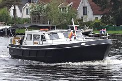 2005 Custom Dutch Tender Classic 32