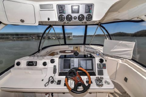 2005 Sea Ray 550 Sedan Bridge