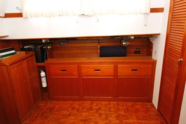 1988 Grand Banks 49 Classic - Grand Banks 49 Master Stateroom Drawers