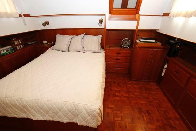 1988 Grand Banks 49 Classic - Grand Banks 49 Master Stateroom