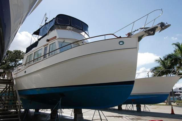 1988 Grand Banks 49 Classic - Grand Banks 49 Hauled Out