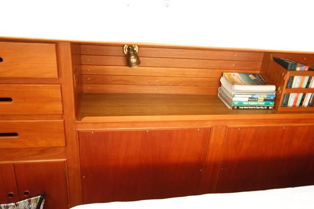 1988 Grand Banks 49 Classic - Grand Banks 49 Master Stateroom Starboard Storage