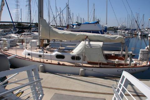 1963 Alberg Sloop - Makes a good first impression
