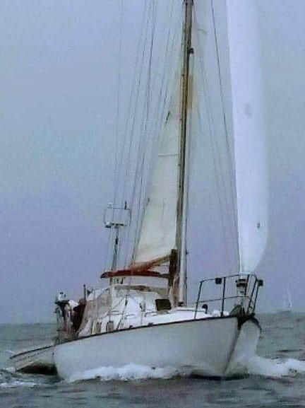 1963 Alberg Sloop - Ready to sail at a great price?