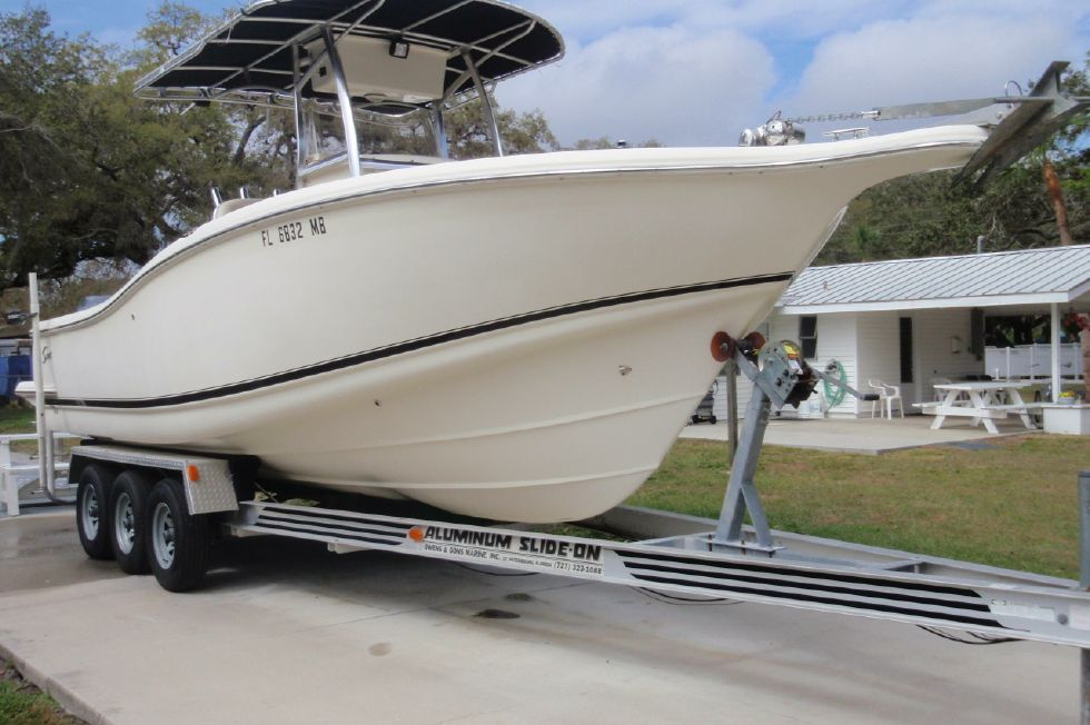 2001 Scout 280 Sportfish - Starboard Bow