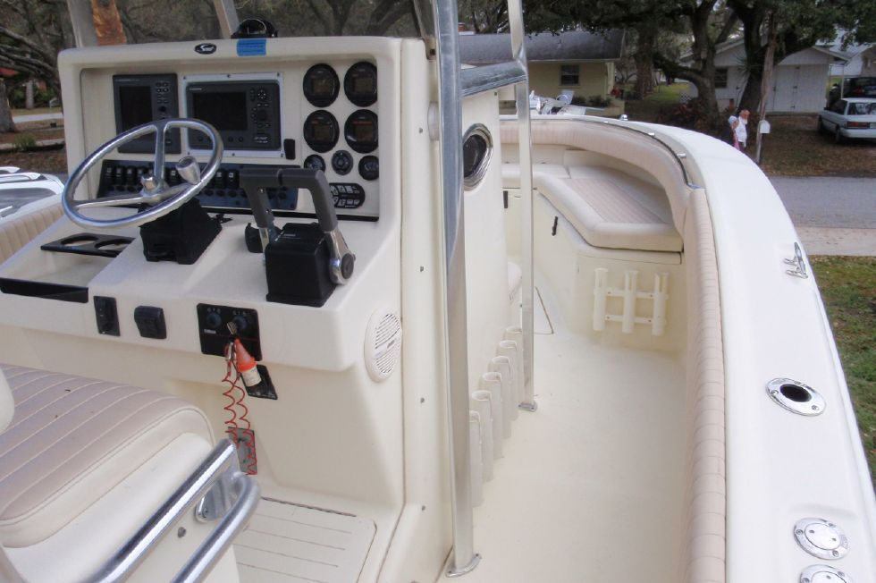 2001 Scout 280 Sportfish - Starboard Rail Looking Forward