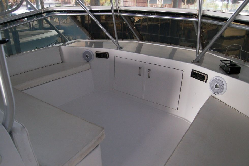 Flybridge Forward Seating