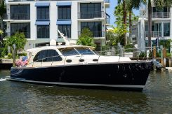 2017 Palm Beach Motor Yachts PB42