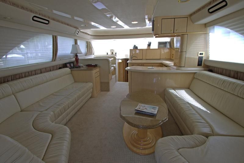 2000 Sea Ray 560 Sedan Bridge - Tidy Interior