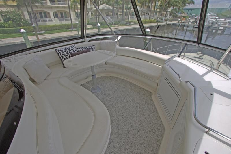2000 Sea Ray 560 Sedan Bridge - Flybridge Settee with A/C & Wet Bar
