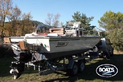 1996 Boston Whaler 23 Outrage